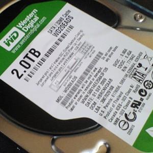 Core i7自作パソコン、2TB HDDを増設
