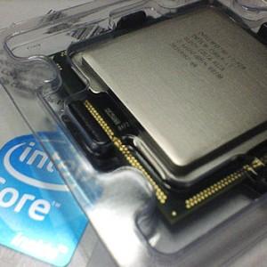 Core i7自作パソコン、CPUには最初からグリスが塗布されている?